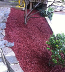 Red Rubber Mulch for Landscaping